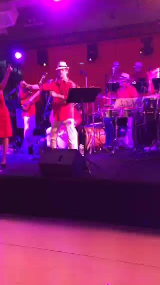 JoshuaSWarren: LIVE on #Periscope:  Ain't no party like a #MagentoImagine party! https://t.co/3IngLxlYcA